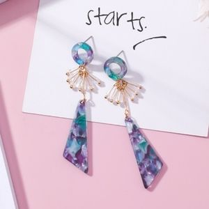 Jewelry - Dangling acrylic earrings
